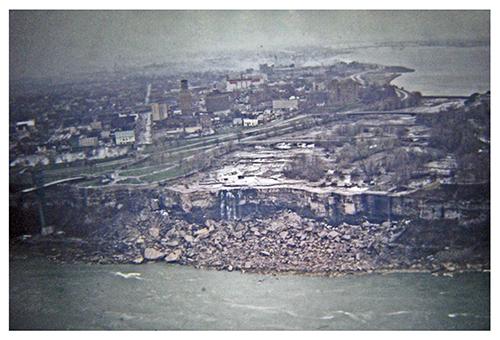 Niagara Falls dewatered